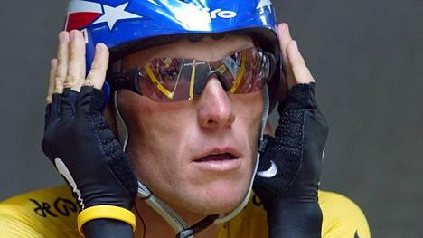 Lance Armstrong on kiistelty ex-urheilija.