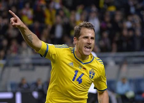 Tobias Hysén tuuletti Saksan verkkoon tekemäänsä osumaa MM-karsintaottelussa lokakuussa 2013.