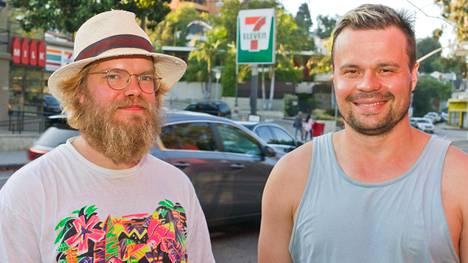 Hannu Aukia ja Miska Kajanus kuvattuna Silver Laken kaupunginosassa Los Angelesissa.