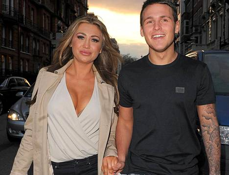 Lauren Goodger ja ex-poikaystävä Jake McLean kuvattuna silloin, kun pari oli vielä yhdessä.