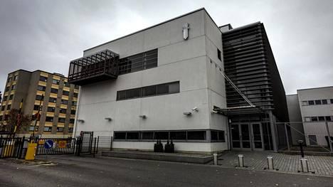 Syyttäjä vaatii ehdollista vankeusrangaistusta Poliisiammattikorkeakoulun opettajalle.