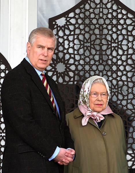 Kuningatar tapasi poikansa kohun