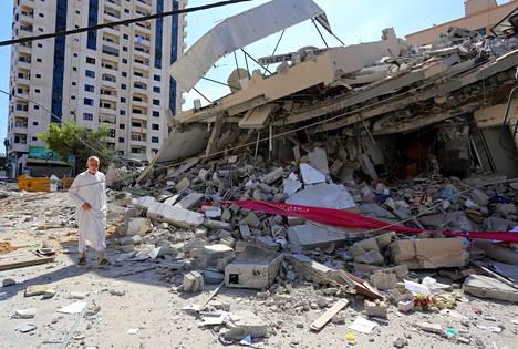 Tuhoutunut asuinrakennus Gazassa.