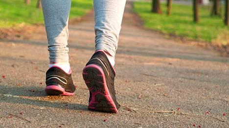 Tutkimuksessa liikuntaryhmäläiset kokivat kipunsa lievemmiksi kuin verrokit, ja viitteitä oli myös kipujen keston lyhentymisestä.