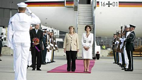 Saksan liittokansleri Angela Merkel aloitti kolmipäiväisen vierailun Yhdysvalloissa.
