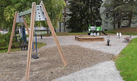 Vaarassa on myös Kisakolmion leikkipaikka Hervannan Terästiellä.