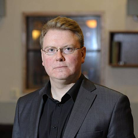 Rikoskomisario Mikko Porvali kertoo, että vuonna 1980 kuolleen Maire Vepsäläisen surman tunnusti toisistaan tietämättä kaksi miestä. Molemmat tunnustukset selvitettiin vääriksi.