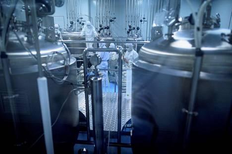 Kiinalainen Yisheng-biofarmayhtiö tutkii koronavirusrokotetta Shenyangissa. Työn alla on niin sanottu subunit-rokote, jossa on puhdistettuja viruksen osia.