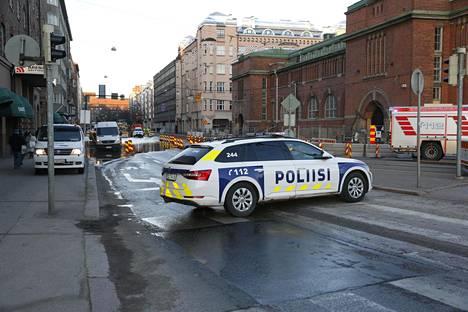Poliisitkin ovat paikalla.