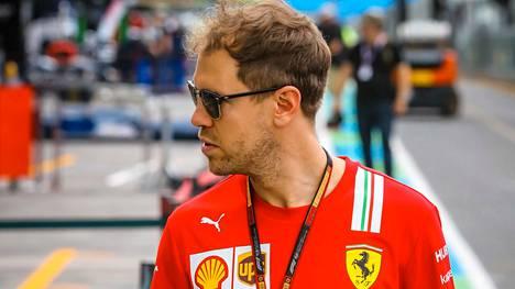 Sebastian Vettelin ja Ferrarin välinen tilanne on synkkä.