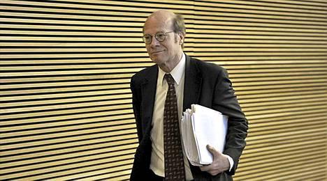 Kimmo Sasi suhtautuu luottavaisesti hallitusneuvotteluiden etenemiseen.
