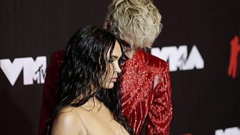Megan Fox ja räppärirakas ovat seurustelleet hieman yli vuoden.