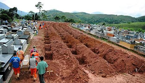 Brasilian tulvat ja maanvyöryt ovat vaatineet jo ainakin 570 ihmisen hengen.