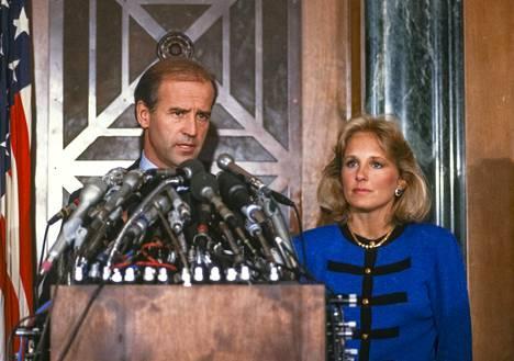 Joe Biden jäi syksyllä 1987 kiinni plagioinnista useissa puheissaan, ja joutui jättäytymään pois kilvasta presidenttiehdokkuudesta.