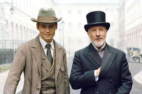 Johnny Depp ja Dustin Hoffman elämäkertadraamassa.