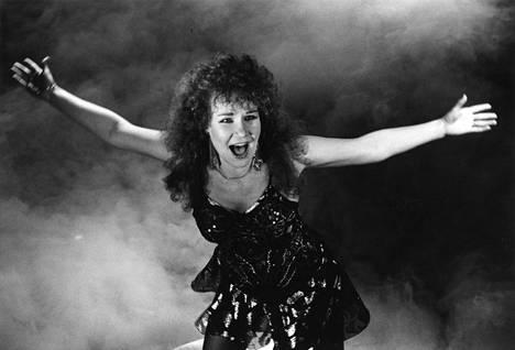 1987: Sata salamaa räjäytti euroviisupankin.