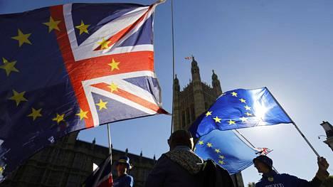Britannian EU-eron eli Brexitin vastustajia Lontoossa 9. lokakuuta.