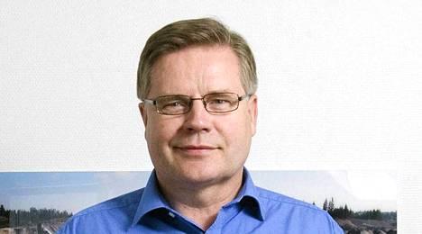 Juhani Sjöblom (kok) nostaa kansanedustajan sopeutumiseläkettä monen muun ex-edustajan tavoin.