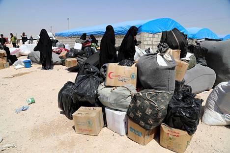 Isis-taistelijoiden vaimoja al-Holin leirillä 3. kesäkuuta 2019.