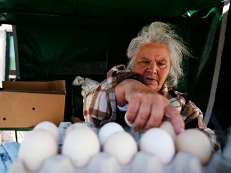 Maria Emilia, 80, myi munia Lissabonissa viime heinäkuussa.
