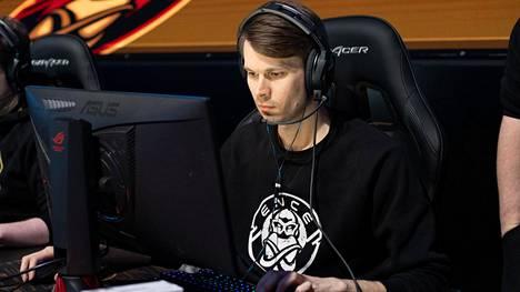 """Saku """"SKUIJKE"""" Sajakoski voitti uskomattomalla suorituksella lauantain toiseksi viimeisen pelin ENCElle."""