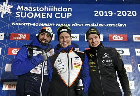 Lauri Lepistö (kesk.) löi Ristomatti Hakolan (vas.) Hakunilan laduilla.