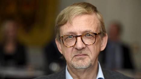 Ilkka Ruostetsaaren mukaan kikkailu eurovaalien ehdokaslistoilla voi olla puolueelle hyvä ajatus taktisesti, mutta ei äänestäjän kuluttajansuojan kannalta.