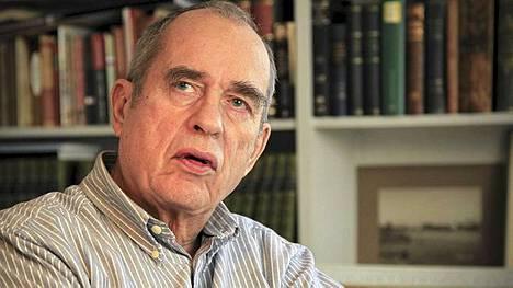 Jörn Donner pyrkii eduskuntaan RKP:n riveistä.