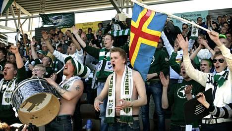 IFK Mariehamnin kannattajat marssivat tänään Helsinkiin.