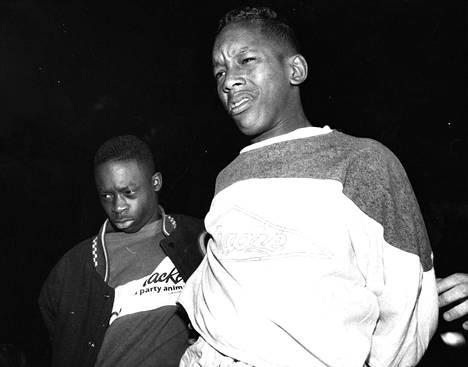 Antron McCary ja Kharey Wise kiinnioton jälkeen matkalla poliisiasemalle. Epäiltyjen nuoresta iästä huolimatta tapaus sai runsaasti julkisuutta.