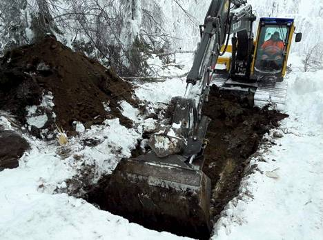 Kuusamon löydökset tehtiin maan pintakerroksesta.