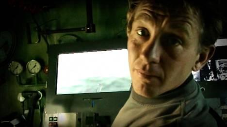 Peter Madsen sukellusveneessään.