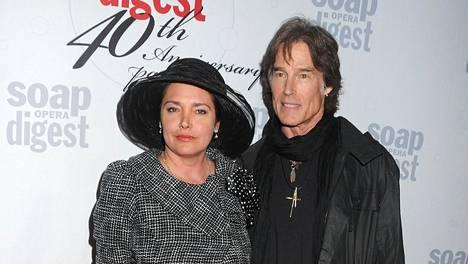 Ronn Moss ja vaimonsa Devin DeVasquez juhlivat Soap Opera Digest -lehden synttäreillä Hollywoodissa.