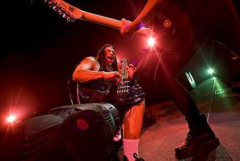 Robert Trujillo ja Kirk Hammett vauhdissa.