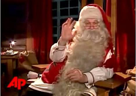 Hyväntuulinen ja kielitaitoinen Joulupukki lähettää tervehdyksiä.