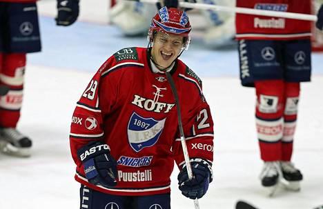 Toni Leinonen HIFK:n paidassa syksyllä 2013.