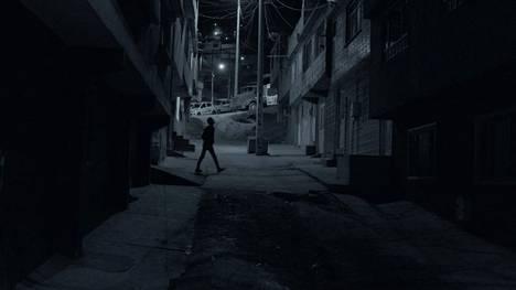 Väkivallan uhka oli jatkuvasti läsnä, kun Muse kiersi Kolumbiassa tutustumassa kokaiinibisnekseen.