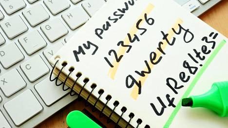 Turvallisten, mutta samalla muistissa pysyvien salasanojen keksimiseen ehdotetaan uutta konstia.