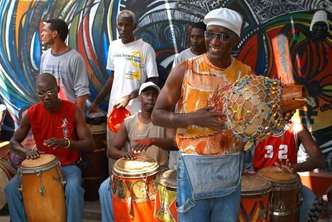 Elävä musiikki kuuluu Kuubaan.