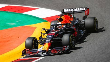 Max Verstappen ei pystynyt ratarajojen sisällä nopeimmalla kierroksellaan sunnuntaina.