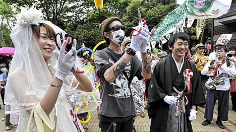 Japanissa 6. toukokuuta oli juhlapäivänä. Tuolloin maan viimeinenkin ydinvoimala ajettiin alas.