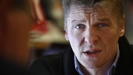 Toni Nieminen joutui aikanaan ongelmiin verottajan kanssa palkintoautonsa takia.