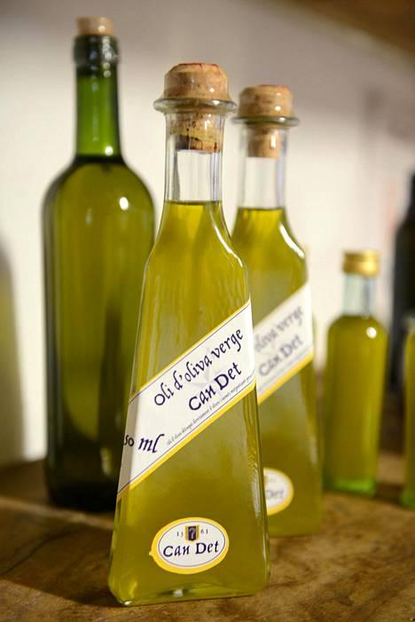 Espanja on maailman suurin oliiviöljyn tuottajamaa, ja öljyä käytetään yhtään pihistelemättä joka ruokaan.