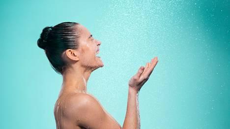 Helteellä jääkylmä suihku ei välttämättä olekaan paras vaihtoehto.