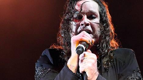 Terveyshuolet veivät voimat: Ozzy Osbourne joutuu perumaan kaikki keikkansa tältä vuodelta – myös Suomen konsertti siirtyy jälleen