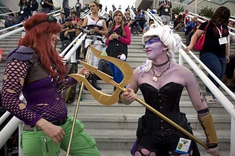 Päivitetyt versiot Pieni merenneito -elokuvan Arielista ja Ursulasta.
