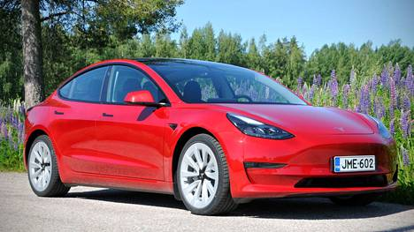 IS:n koeajossa Tesla Model 3 Long Range Dual Motor
