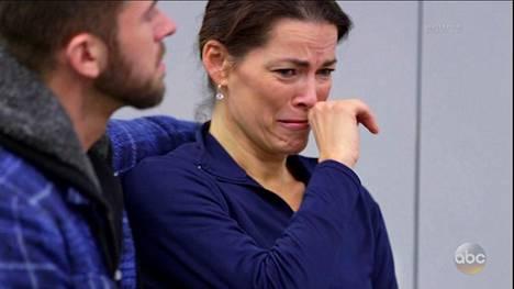 Kerrigan murtui kyyneliin kertoessaan keskenmenoistaan.
