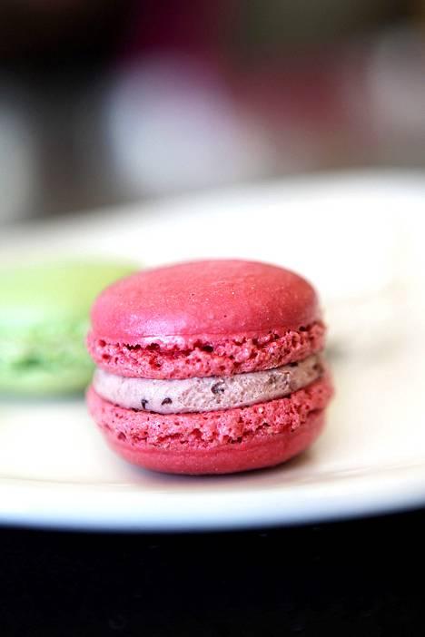 Macaron-leivokset ovat yksi makea esimerkki Suomeen rantautuneista leivonnaisklassikoista.