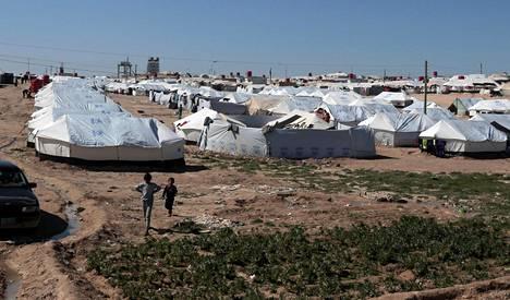 Olosuhteet al-Holin leirillä ovat vaikeat muun muassa liian suuresta väkimäärästä johtuen.
